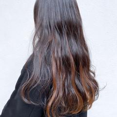 グラデーションカラー インナーカラー ミルクティーベージュ ミルクティーグレージュ ヘアスタイルや髪型の写真・画像