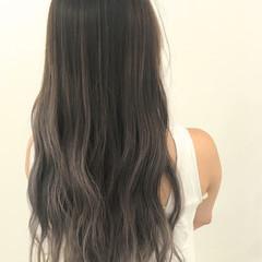 外国人風 ロング グラデーションカラー 暗髪 ヘアスタイルや髪型の写真・画像
