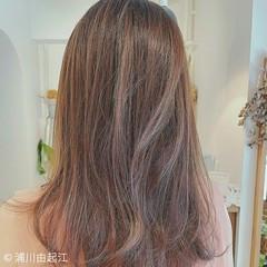 セミロング 外国人風カラー オフィス ゆるふわ ヘアスタイルや髪型の写真・画像
