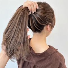 エレガント ミルクティーベージュ グレージュ デート ヘアスタイルや髪型の写真・画像