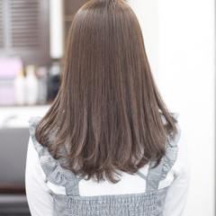ナチュラル セミロング 縮毛矯正 春スタイル ヘアスタイルや髪型の写真・画像