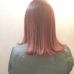 外ハネ ピンク ストリート 大人女子 ヘアスタイルや髪型の写真・画像