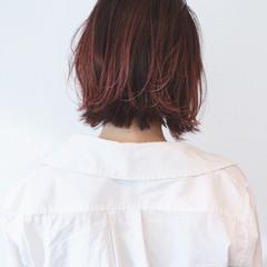 インナーカラー ボブ 切りっぱなしボブ ベリーピンク ヘアスタイルや髪型の写真・画像
