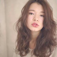 ゆるふわ フェミニン 外国人風 セミロング ヘアスタイルや髪型の写真・画像