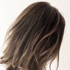 グラデーションカラー ハイライト ミディアム ヘアアレンジ ヘアスタイルや髪型の写真・画像