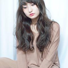 前髪あり ロング ゆるふわ フェミニン ヘアスタイルや髪型の写真・画像