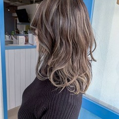 エレガント セミロング 切りっぱなし 圧倒的透明感 ヘアスタイルや髪型の写真・画像