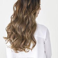 透明感カラー レイヤースタイル ロング グラデーションカラー ヘアスタイルや髪型の写真・画像