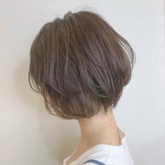 ショートヘア 小顔ショート デート フェミニン ヘアスタイルや髪型の写真・画像
