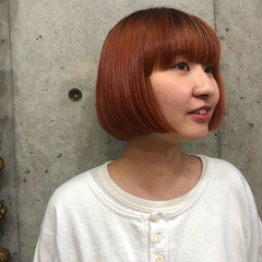アプリコットオレンジ ガーリー ミニボブ ハイトーンカラー ヘアスタイルや髪型の写真・画像