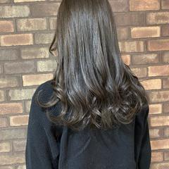 ナチュラル グレージュ スロウ アッシュグレージュ ヘアスタイルや髪型の写真・画像