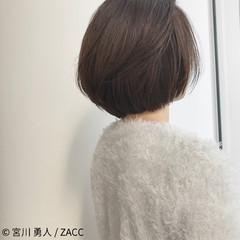 センターパート コンサバ フェミニン ボブ ヘアスタイルや髪型の写真・画像