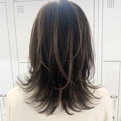 ミディアム ハイライト 極細ハイライト コントラストハイライト ヘアスタイルや髪型の写真・画像