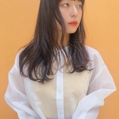 ロング シースルーバング ヘアアレンジ 透明感カラー ヘアスタイルや髪型の写真・画像