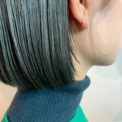 フェミニン ミニボブ カーキアッシュ ショートボブ ヘアスタイルや髪型の写真・画像