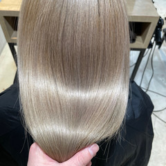 ナチュラル ブリーチカラー ストレート ブリーチオンカラー ヘアスタイルや髪型の写真・画像