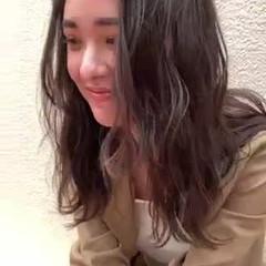 ミディアム 波ウェーブ 夏 ミディアムレイヤー ヘアスタイルや髪型の写真・画像