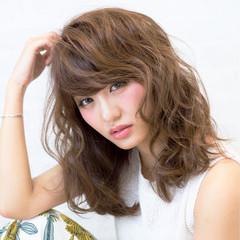 フェミニン 夏 涼しげ ゆるふわ ヘアスタイルや髪型の写真・画像