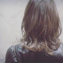 ミディアム ブルー オリーブアッシュ ストリート ヘアスタイルや髪型の写真・画像