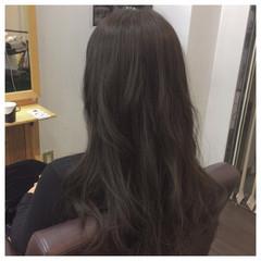 ロング アッシュグレー モード 黒髪 ヘアスタイルや髪型の写真・画像