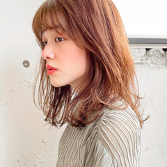 シースルーバング 透明感カラー レイヤーカット ウルフカット ヘアスタイルや髪型の写真・画像
