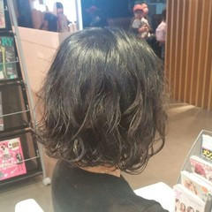 ウェットヘア 簡単 くせ毛風 ナチュラル ヘアスタイルや髪型の写真・画像