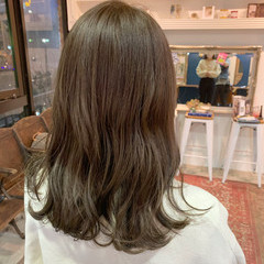 グレージュ シアーベージュ ナチュラル 大人可愛い ヘアスタイルや髪型の写真・画像