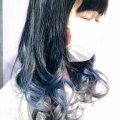 ブルー アッシュ グラデーションカラー セミロング ヘアスタイルや髪型の写真・画像