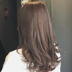 セミロング ラベージュ ナチュラル 透明感カラー ヘアスタイルや髪型の写真・画像