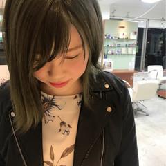 アッシュ ミディアム ガーリー かわいい ヘアスタイルや髪型の写真・画像