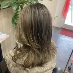 ハイライト コントラストハイライト ミディアム 大人ハイライト ヘアスタイルや髪型の写真・画像
