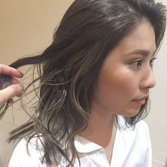 上品 エレガント ミディアム ハイライト ヘアスタイルや髪型の写真・画像