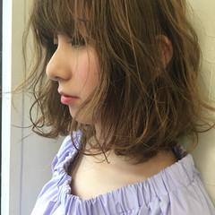 ナチュラル ミルクティー ニュアンス 前髪あり ヘアスタイルや髪型の写真・画像
