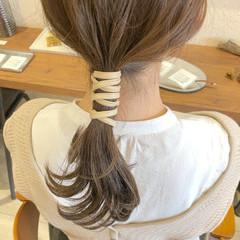 ナチュラル セミロング セルフアレンジ ヘアアレンジ ヘアスタイルや髪型の写真・画像