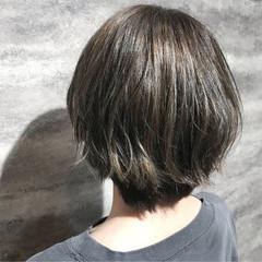 ショート ガーリー イルミナカラー ヘアスタイルや髪型の写真・画像