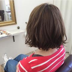 アッシュ 色気 切りっぱなし 外ハネ ヘアスタイルや髪型の写真・画像