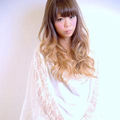 グラデーションカラー ホワイトアッシュ ガーリー 外国人風 ヘアスタイルや髪型の写真・画像
