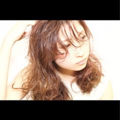 ナチュラル セミロング 前髪あり パーマ ヘアスタイルや髪型の写真・画像