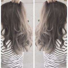 外国人風 グラデーションカラー 渋谷系 アッシュ ヘアスタイルや髪型の写真・画像