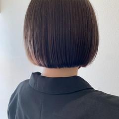 ボブ ショートヘア 切りっぱなしボブ 透明感カラー ヘアスタイルや髪型の写真・画像
