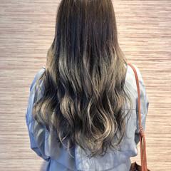 イルミナカラー 透明感カラー グラデーションカラー フェミニン ヘアスタイルや髪型の写真・画像
