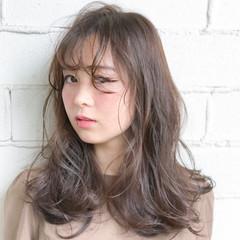ハイライト ゆるふわ アッシュ セミロング ヘアスタイルや髪型の写真・画像