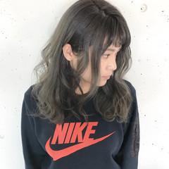 ミルクティー デート セミロング こなれ感 ヘアスタイルや髪型の写真・画像