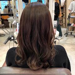 レイヤーカット ナチュラル ミディアム 韓国ヘア ヘアスタイルや髪型の写真・画像