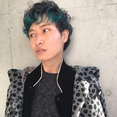 個性的 ブルー ショート グレー ヘアスタイルや髪型の写真・画像