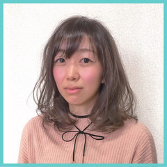 こなれ感 小顔 ミディアム ニュアンス ヘアスタイルや髪型の写真・画像