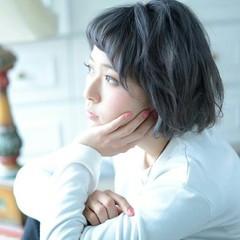 アッシュ ブリーチ ハイトーン ガーリー ヘアスタイルや髪型の写真・画像