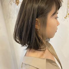 インナーカラー ヌーディベージュ ブリーチオンカラー ベージュ ヘアスタイルや髪型の写真・画像