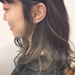 モード ミディアム インナーカラー グレージュ ヘアスタイルや髪型の写真・画像