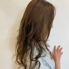 ロング ナチュラル イルミナカラー 透明感 ヘアスタイルや髪型の写真・画像